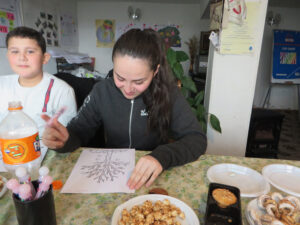 Marine's supportto refugee children